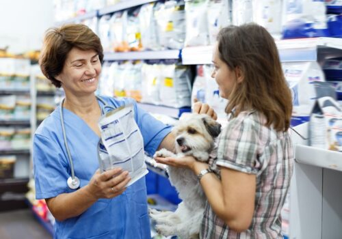 Diety, karmy i dodatki żywieniowe dla zwierząt